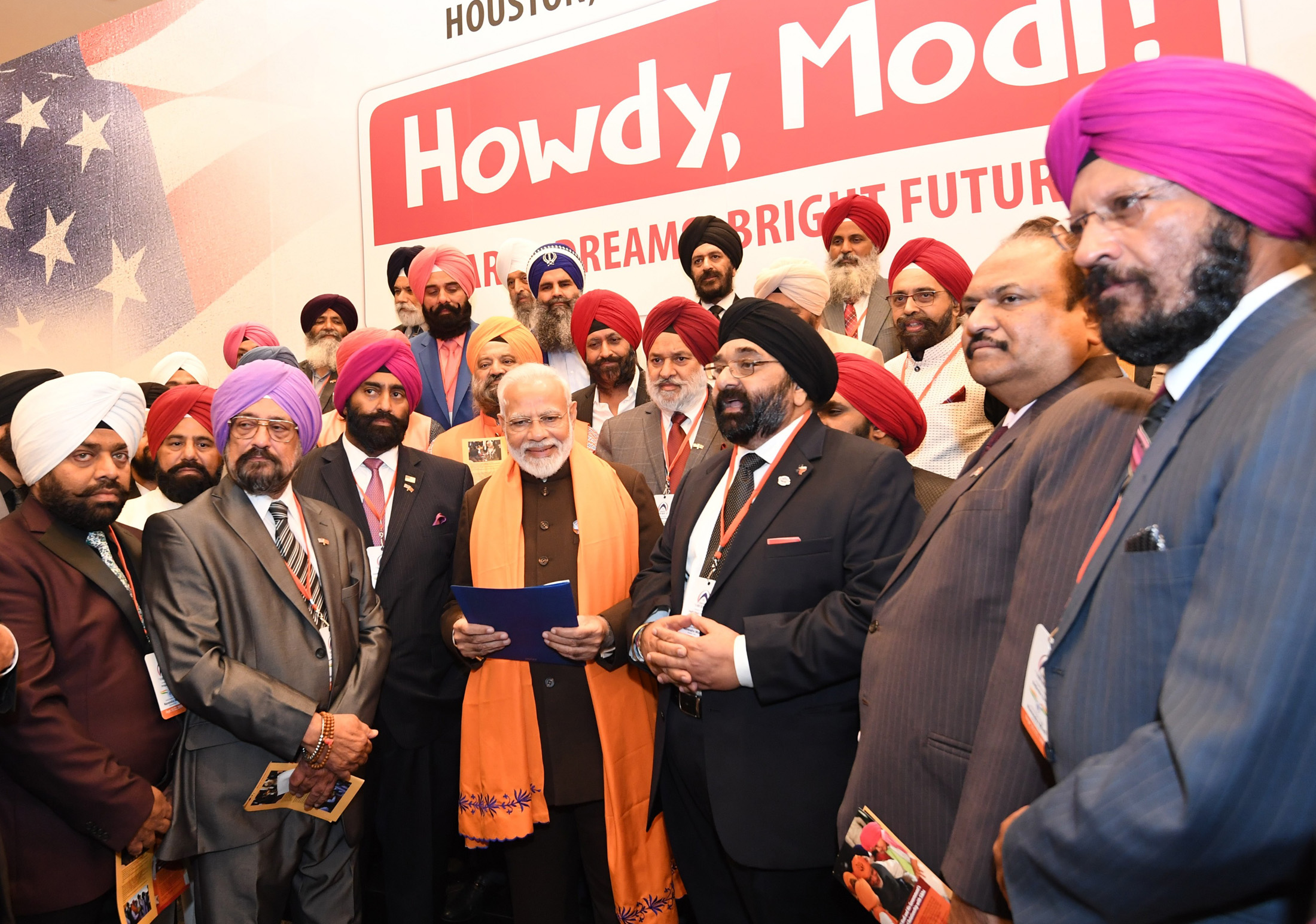 PM interacts with the members of Sikh community in Houston
