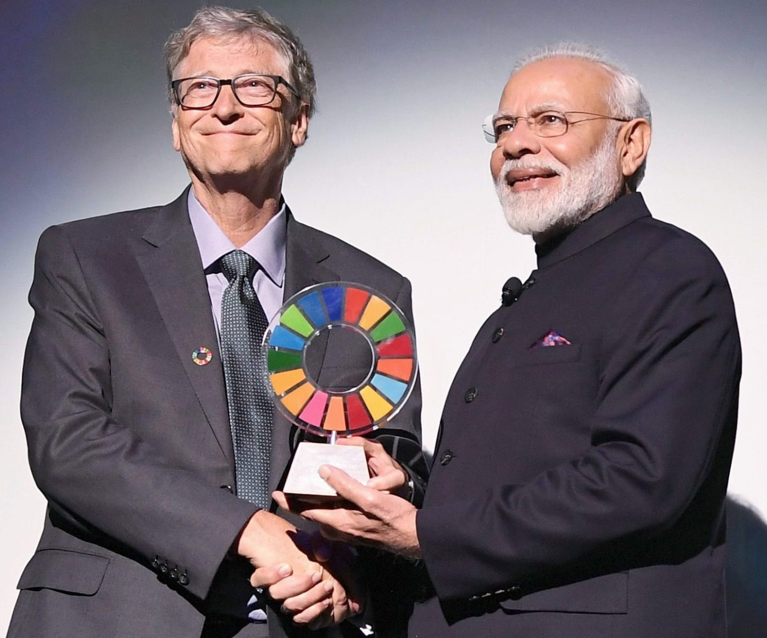 PM receives 'Global Goal Keeper Award' for Swachh Bharat Abhiyan PM receives 'Global Goal Keeper Award' for Swachh Bharat Abhiyan