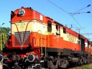 CR Observes 'Swachha Railgaadi-Swachha Pakhwada Day 6