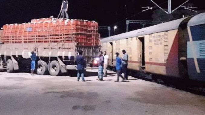 Second Rake of KISAN RAIL chugs off from Anantapur Loaded with 262 Tonnes of Vegetables & Fruits