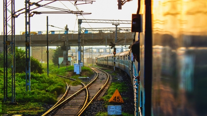SER TO RUN HOWRAH-MUMBAI CSMT & HOWRAH-AHMEDABAD SPECIAL TRAINS DAILY INSTEAD OF TRI-WEEKLY