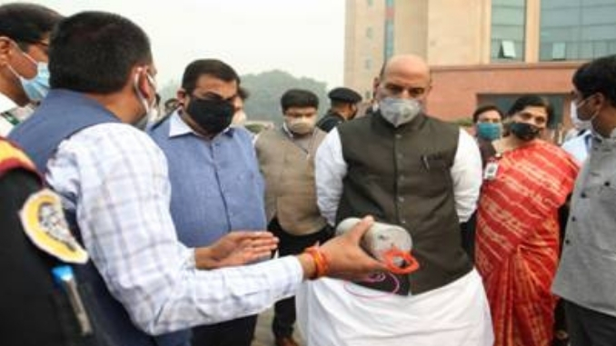 Raksha Mantri and Road Transport Ministers witnesses demonstration of DRDO Developed Fire Detection and Suppression System (FDSS) for Passenger Buses