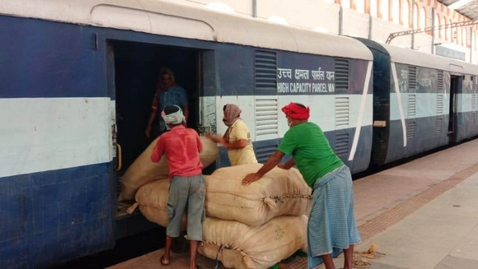 SER RUNS 6679 TRIPS OF PARCEL EXPRESS TRAINS TO SUPPLY OF ESSENTIAL COMMODITIES - INDIA PRESS RELEASE
