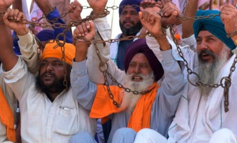 Rahul Gandhi says, Govt is torturing 'annadata'