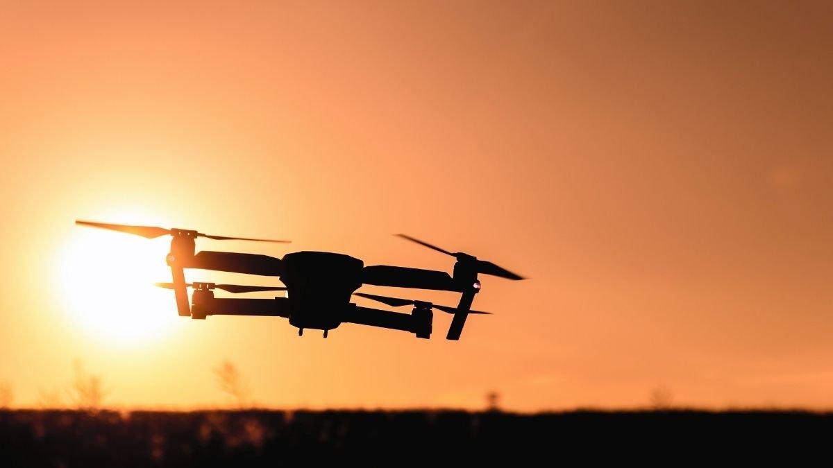 _ BSF foils drone intrusion bid by Pakistan on International Border (1)