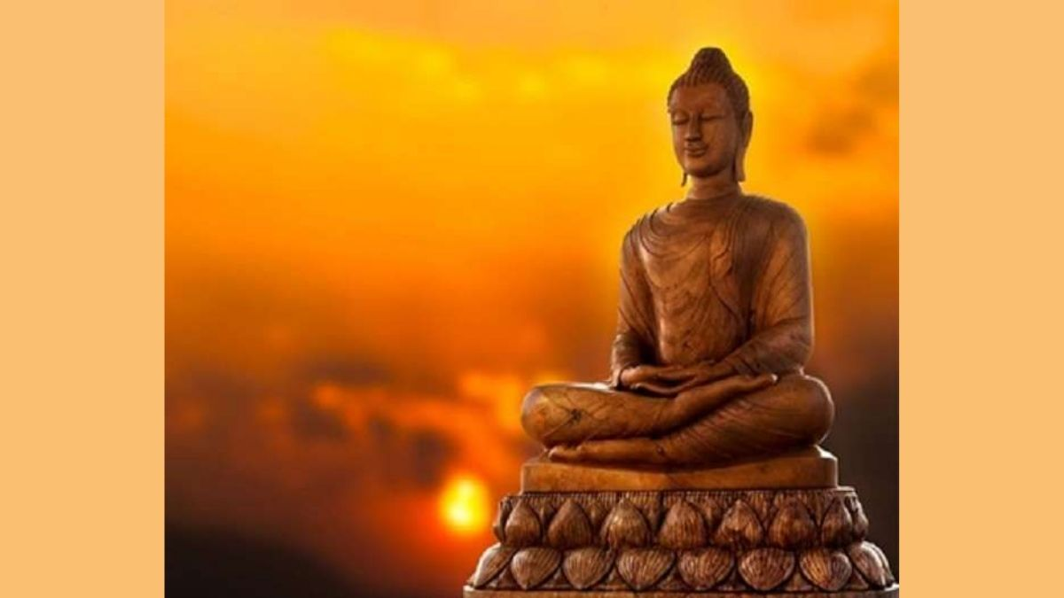 Vice President greets people on the eve of Buddha Purnima