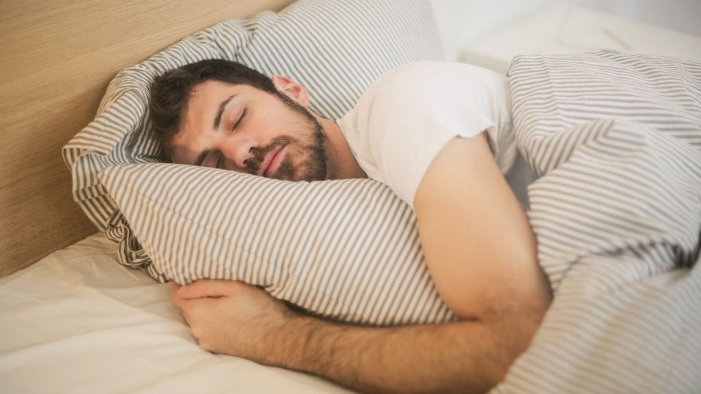 Study shows how brain strengthens memories while sleeping