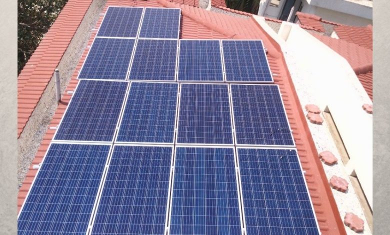 Government incentivizing rooftop solar systems connected to the grid
