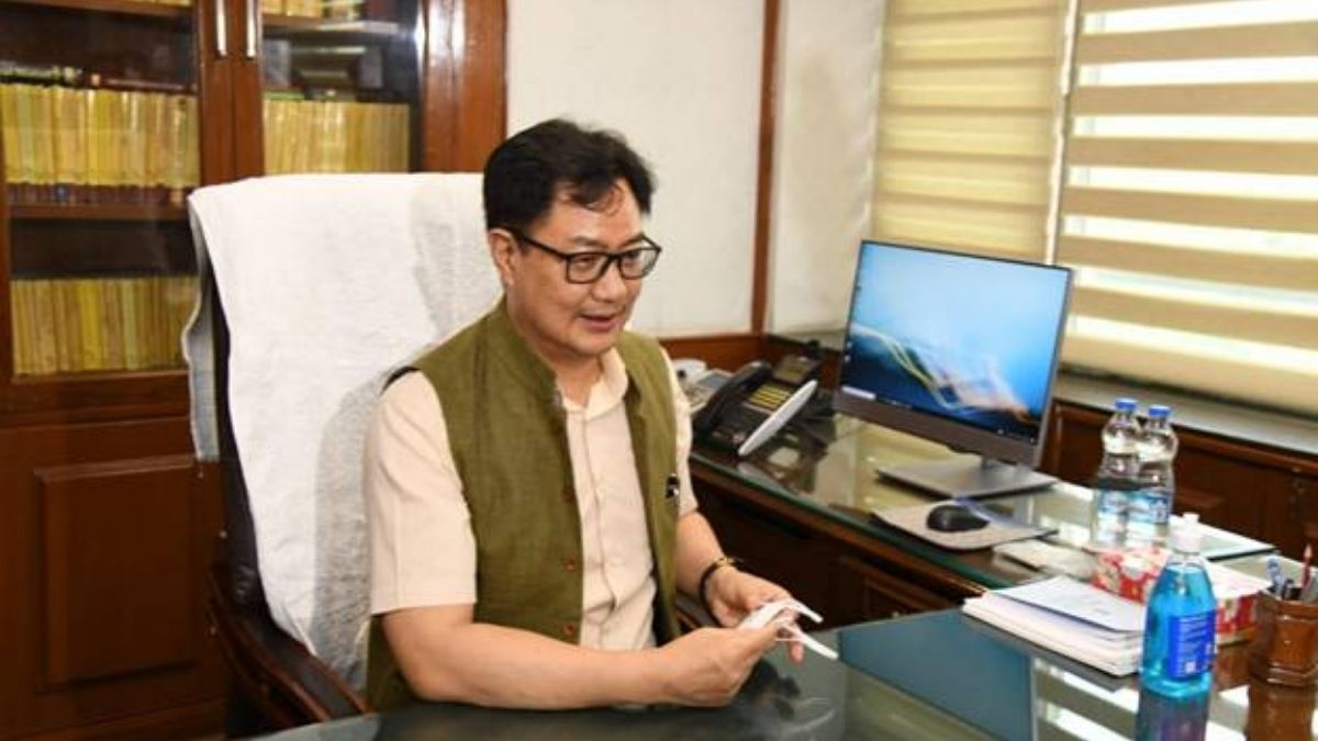 Shri Kiren Rijiju takes charge as Minister of Law and Justice
