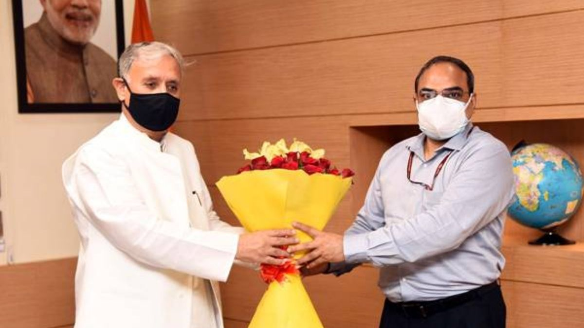 Shri Rao Inderjit Singh takes charge as Union Minister of State in the Ministry of Corporate Affairs