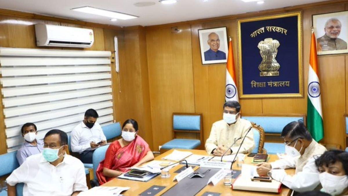 Union Education Minister Shri Dharmendra Pradhan reviews the Digital Education initiatives of the Ministry