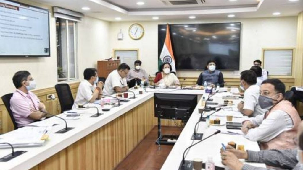 Shri Piyush Goyal holds an in-depth review of initiatives undertaken by the Ministry of Textiles for giving a boost to the textiles sector