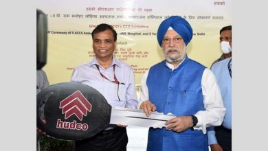 Shri Hardeep Singh Puri hands over the keys of five Ambulances to ABVIMS and Dr Ram Manohar Lohia Hospital, and VMMC and Safdarjung Hospital