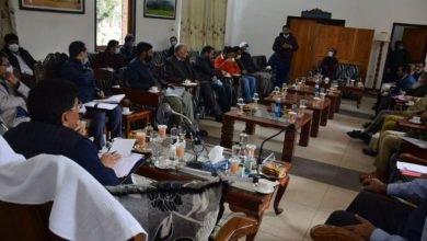 Shri Piyush Goyal visits Pahalgam, meets delegation of PRIs and Industrialists