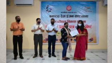 Successful trainees of the first batch under Rail Kaushal Vikas Yojana (RKVY) get self-employment toolkits and certificates